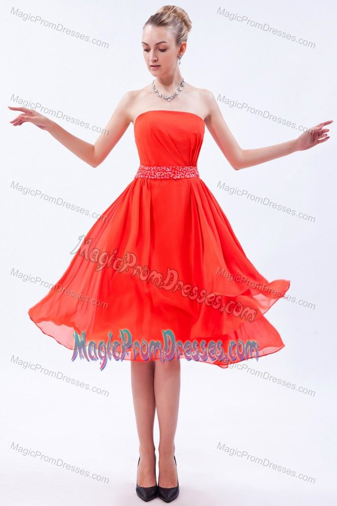 Simple Red Strapless Knee Length Semi Formal Prom Dress With Beaded