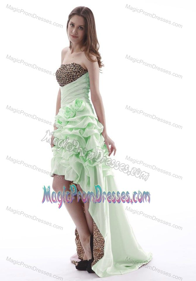 Flat chested dresses for women hi lo pick ups leopard for Wedding dress for flat chest