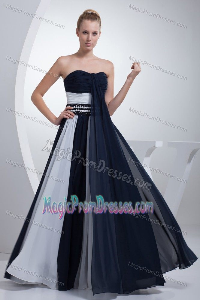 Navy Blue and White Sweetheart Ruched Full-length Prom Dress in Ash land USA