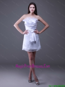New Style Strapless Ruffles Short Prom Gowns in White