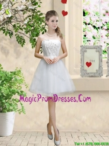 Classical Appliques and Beaded White Prom Dresses with Strapless
