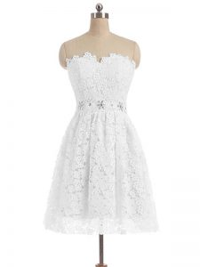 White Zipper Prom Dresses Beading and Lace and Appliques Sleeveless Knee Length