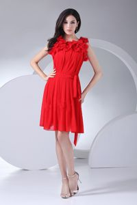 Scoop Knee-length Prom Gown Dresses in Red with Ruching in Fritz Creek