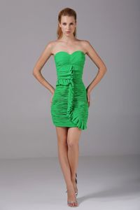 Spring Green Sweetheart Sheath Prom Gowns with Ruches in Mini-length