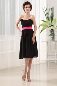 Strapless Knee-length Black Prom Dresses with Sash and Flower in Haines