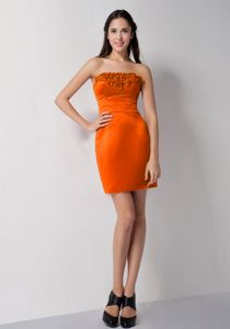 Strapless Mini-length Orange Red Prom Outfits with Ruching and Flowers