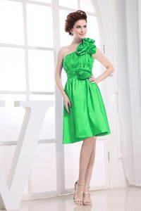 One Shoulder Knee-length Prom Attires in Green with Ruches and Ruffles