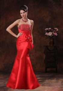 Fashionable Satin Strapless Mermaid Prom Dress with Beading and Bowknot