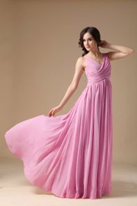 2013 Beautiful V-neck Chiffon Pink Long Prom Attire for a Cheap Price Online