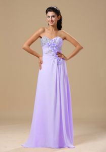 Romantic Sweetheart Beaded Lilac Long Prom Attire with Floral Embellishment