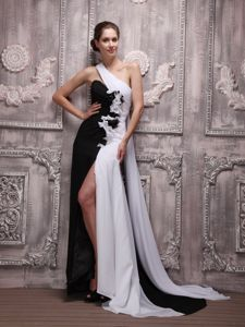 One Shoulder White and Black Chiffon Long Prom Dress with Flowers Watteau Train