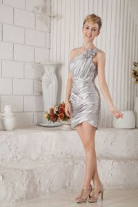 Affordable One Shoulder Ruched Mini Silver Juniors Prom Dress for Summer