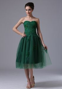 Sweetheart Dark Green Beaded Tea-length Senior Prom Dress with Appliques
