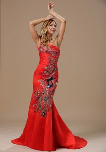 Luxurious Mermaid Red Single Shoulder Long Prom Dresses with Embroidery