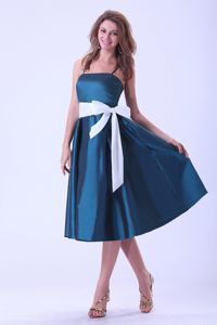 Peacock Blue Tea-length Junior Prom Dress with Spaghetti Straps and Bow