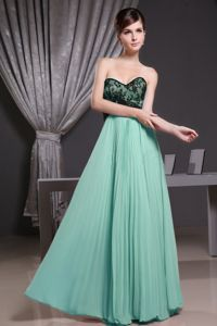 Sexy Pleated Apple Green Sweetheart Long Prom Dresses with Black Lace