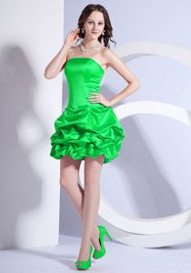 Taffeta Strapless Mini-length Green Prom Outfits with Ruffles in Hidalgo