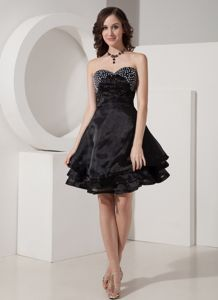 Cute Black Sweetheart Mini-length Prom Dresses with Beading in Hutchins