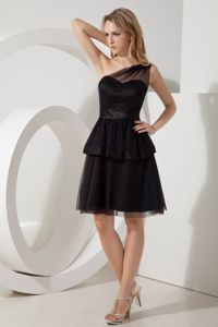 Black A-line One Shoulder Sashes Mini-length Prom Dresses in Ballito