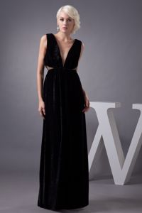 Sexy V-neck Black 2013 Prom Gown Dress in Grahamstown with Cut Out