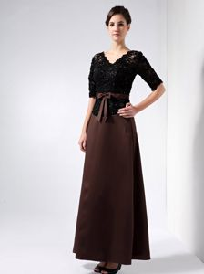 Brown V-neck Taffeta and Lace Beading Dress for Prom Queen in Column