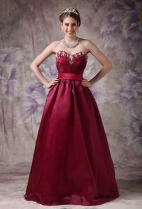 Modest Burgundy Sweetheart Long Dress for Formal Prom with Appliques