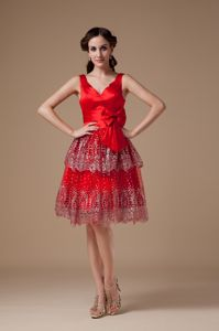 Lace-up Red V-neck Beaded Knee-length Junior Prom Dress with Bowknot