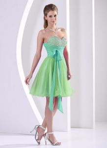 Apple Green Beaded Sweetheart Knee-length Prom Dress with Sash Bow