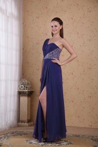 Purple Single Shoulder Beaded High Slit Prom Gown Dresses with Ruche
