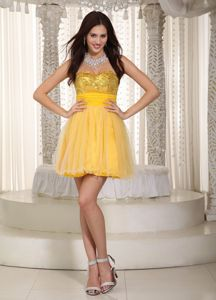 Lovely Sweetheart Mini-length Prom Gown Dress in Yellow with Sequins