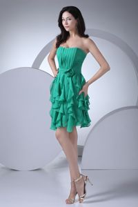 Ruched Sweetheart Mini-length Green Prom Outfits with Ruffles in Paia