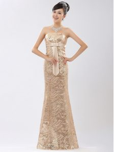 Flirting Sleeveless Sequined Floor Length Zipper Prom Dresses in Champagne with Appliques and Belt