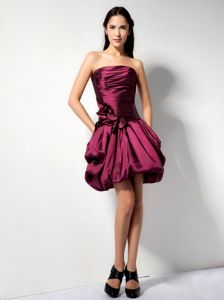 Strapless Taffeta Burgundy Mini Senior Prom Dress with Pockets and Flower