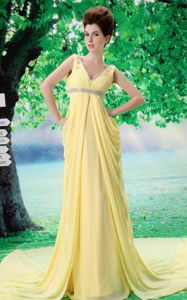Popular Yellow V-neck Ruched Court Prom Gown Dresses with Beading