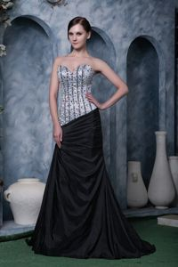 Siver and Black Beaded Sweetheart Brush Train Dress for Formal Prom