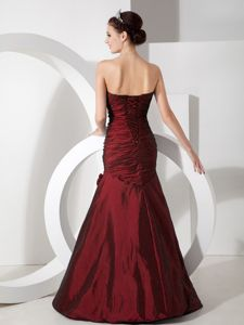Turn Heads Burgundy Mermaid Formal Prom Outfits with Ruche and Beads