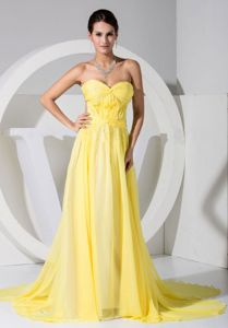 Good Quality Sweetheart Chiffon Yellow Formal Prom Gown with the Back out