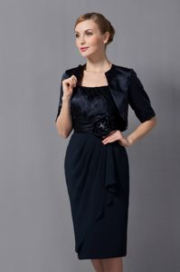Attractive Straps Knee-length Black Prom Dresses with Flower under 150