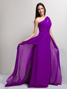 Upscale One Shoulder Chiffon Long Prom Attire in Eggplant Purple on Sale