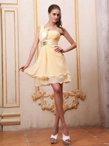 Pretty One Shoulder Yellow Mini Chiffon Prom Dress in The Mainstream