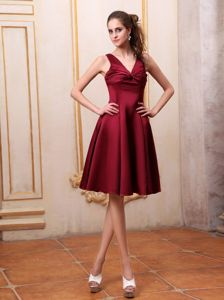 Latest V-neck Satin Short Burgundy Prom Dress with Bow on Back in Powell OH