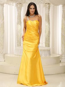 Beautiful Yellow Ruched Formal Prom Dresses One Shoulder with Appliques