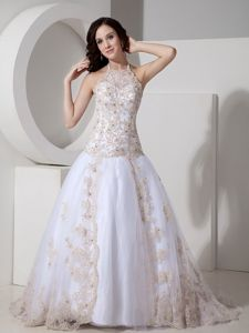 Impressive Halter Lace-up White Ball Gown Prom Outfits with Appliques