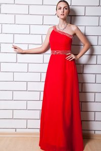 One Shoulder Floor-length Chiffon Beaded Prom Dress in Red in Bryan