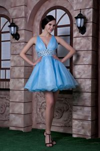 Cute Aqua Blue V-neck Short Puffy Prom Outfits with Beading and Ruching