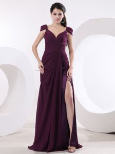 Brush Train V-neck Slitted Burgundy Formal Formal Prom Dress in Chiffon