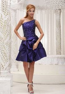 One Shoulder Beaded Dark Purple Short Senior Prom Dress with Pick-ups