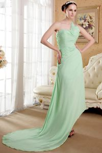 Light Green Asymmetrical Single Shoulder Ruched Semi-formal Prom Dress