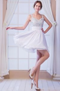 Hot Sale White Beaded Mini-length Dress for Prom with Straps in Chicago