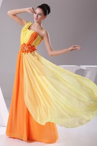 Orange and Yellow One Shoulder Ruched Long Prom Outfits with Flowers